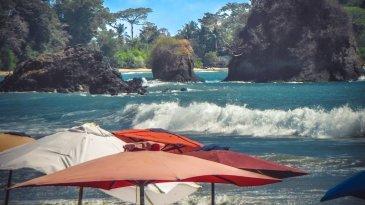 Playa Manuel Antonio autor: Jacek Brzezowski