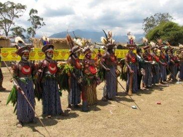 Sing Sing Goroka około 100 plemion.JPG