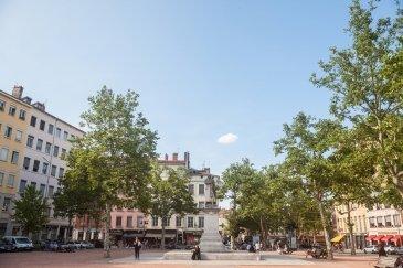 La Croix Rousse Square